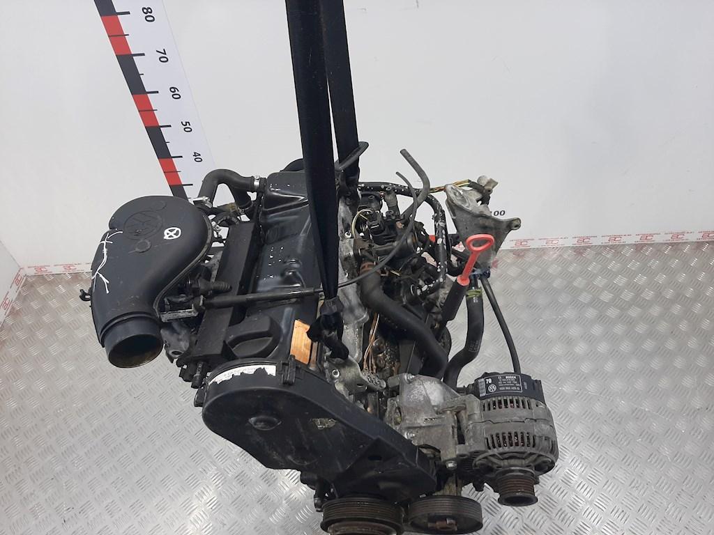 Двигатель (ДВС) Volkswagen Golf 3  AAM