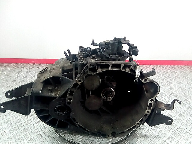 КПП 6ст (механическая коробка) Kia Carnival (Sedona) 2  430003B100