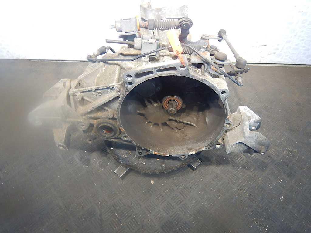 КПП 6ст (механическая коробка) Chrysler Sebring (JS)  P05273355AF