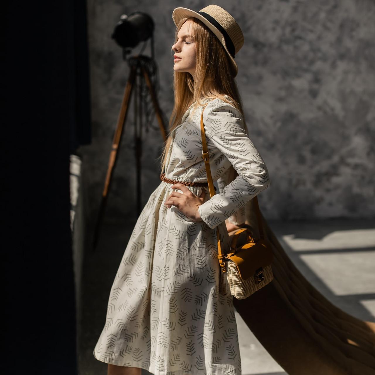 Женское льняное платье миди А-силуэта - фото 1