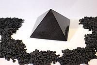 Пирамида полированная  из шунгита  8*8 см из Карелии