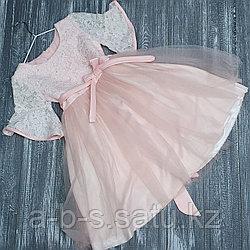 Платье персиковое