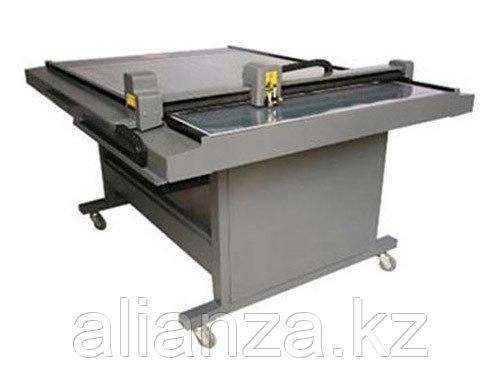 Режущий плоттер Vektor HC-1512