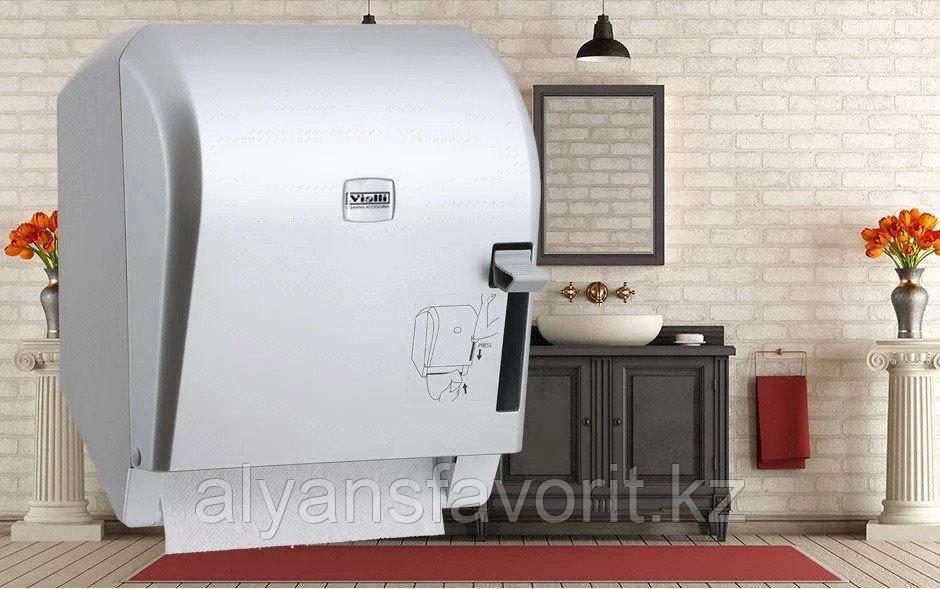 Диспенсер рулонных бумажных полотенец Vialli K8В (медицинский, локтевой, серебристого цвета)