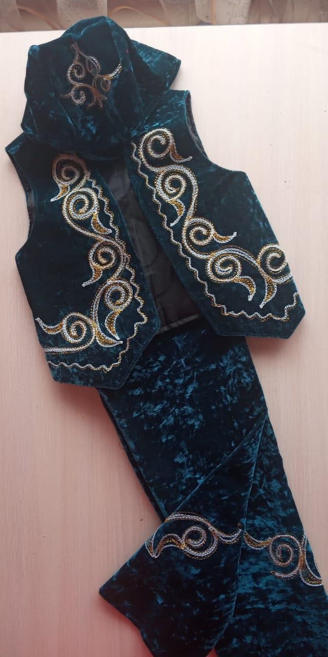 Казахский национальный костюм на ребёнка
