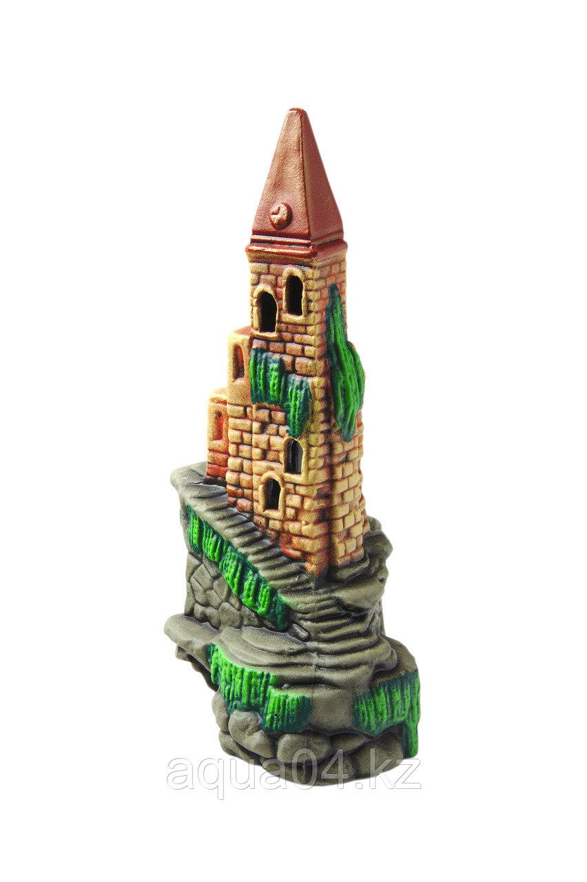 Замок высокий с башнями (ГротАква)