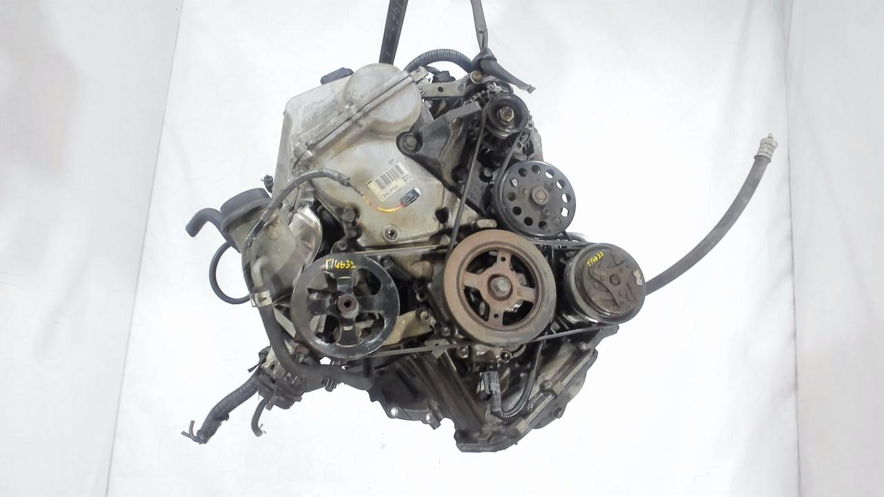 Двигатель (ДВС) Toyota Yaris  1.3 л Бензин