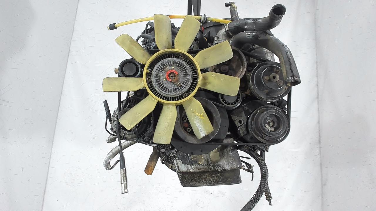 Двигатель (ДВС) Mercedes 1241984 3 л Бензин