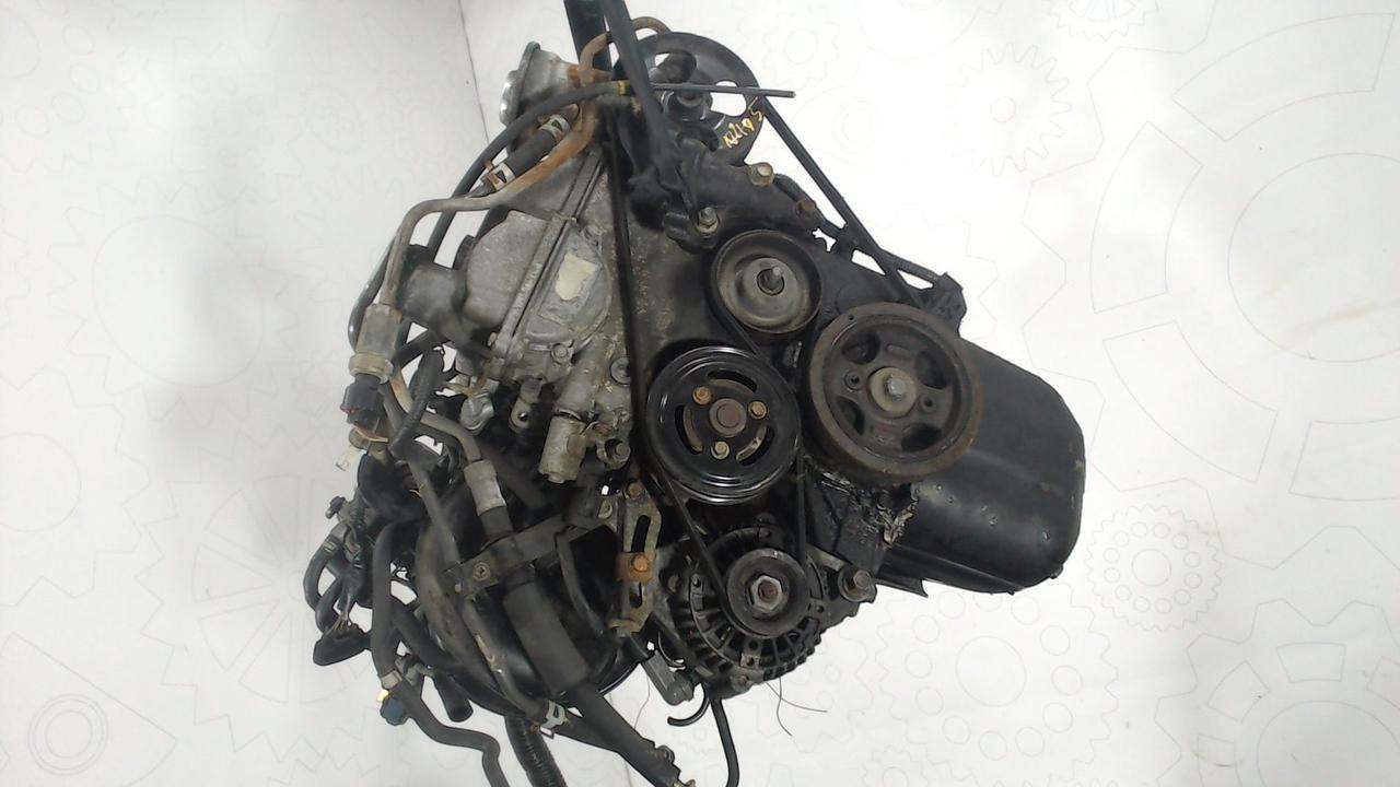 Двигатель (ДВС) Toyota Yaris  1 л Бензин