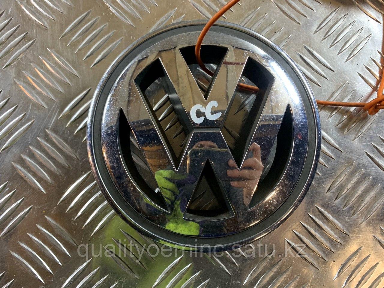 1K5853600 - Решетка радиатора Volkswagen GOLF V
