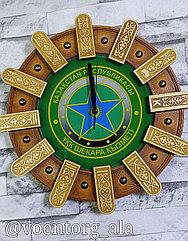 Часы настенные пограничные деревянные