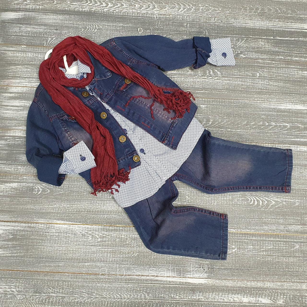 Четверка: джинсы, рубашка, джинсовка и стильный шарфик