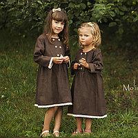 Льняное платье для девочек шоколадного цвета с белым кружевом