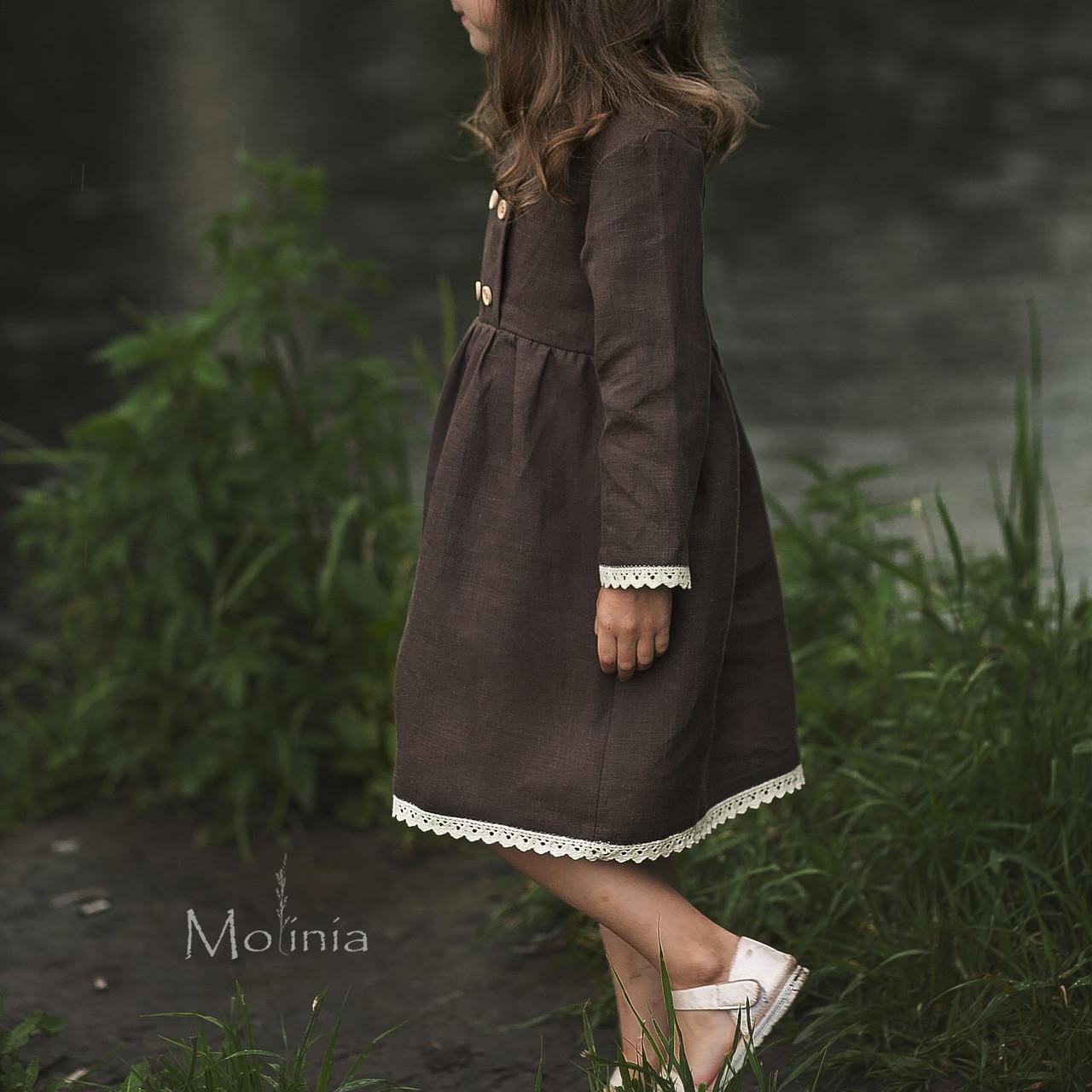 Льняное платье для девочек шоколадного цвета с белым кружевом - фото 2