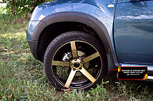 Накладки на колёсные арки Renault Duster