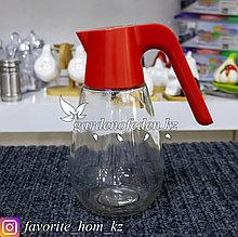 Кувшин стеклянный, с пластиковой ручкой и крышечкой. Материал: Стекло/Пластик. Цвет: Полупрозрачный/Красный.