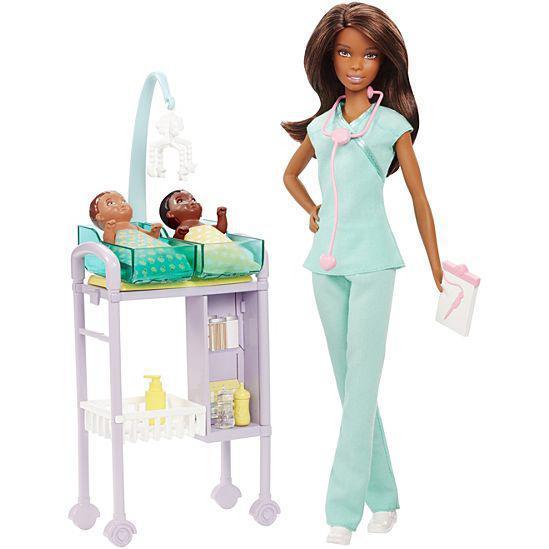 """Barbie """"Профессии"""" Игровой набор """"Кукла Барби - Детский врач"""", афроамериканка, Кем быть?"""
