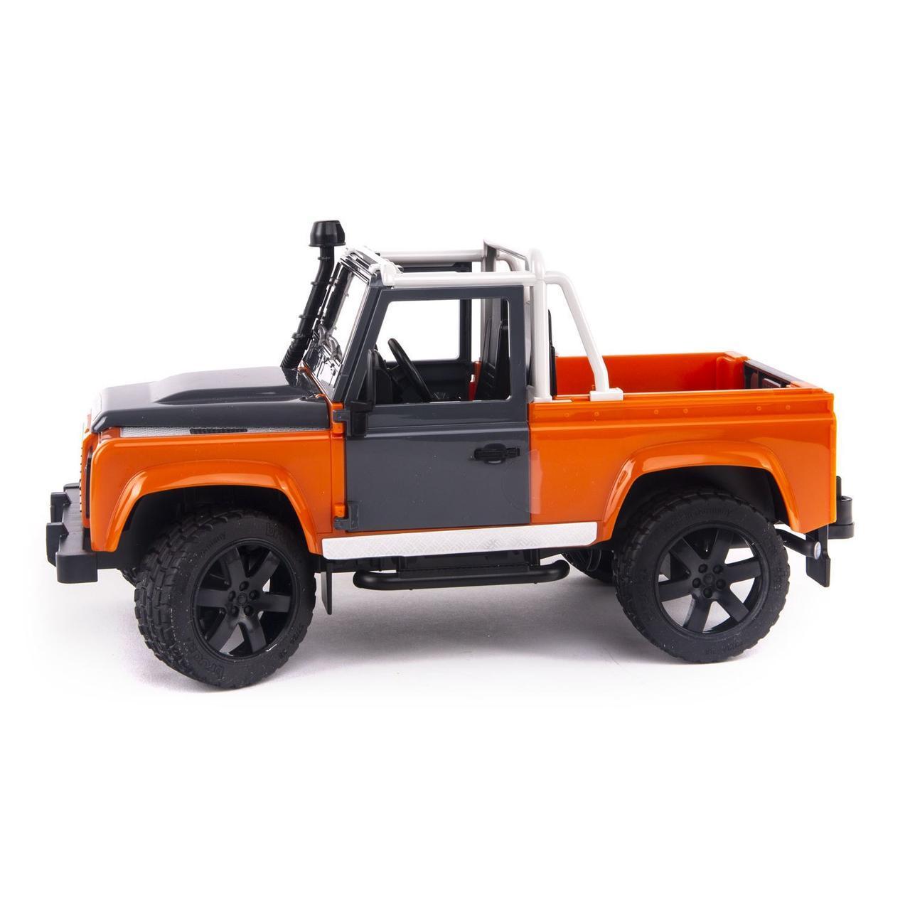 Bruder Игрушечный Внедорожник-пикап Land Rover - оранжевый (Брудер)