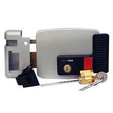 CISA  Электромех зам с кнопкой и ключ прав внутрь