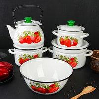 Набор посуды 'Садовая клубника', 5 предметов Кастрюли 2 л, 3 л, 5 л, Миска 4 л, Чайник 3 л