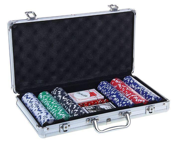 Набор для покера Poker set: 2 колоды карт по 54 шт., 300 фишек, 5 кубиков