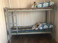 Двухъярусные кровати , постельные принадлежности для рабочих