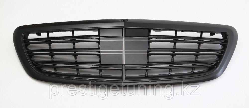 Решетка радиатора Black дизайн на W222 2014-19