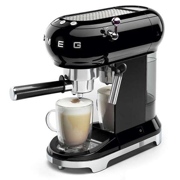 Кофемашина эспрессо Smeg ECF-01BLEU (Черный)