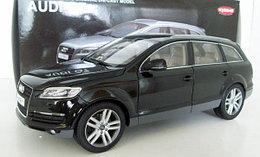 1/18 Kyosho Коллекционная модель Audi Q7, чёрный