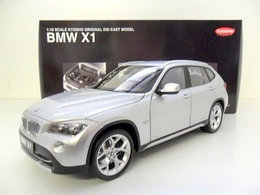 1/18 Auto Art Коллекционная модель BMW X1, серебристый титан