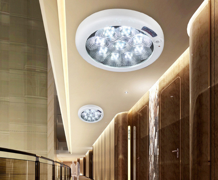 LED светильник с датчиком движения 7w