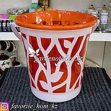Ведро хозяйственное с декором. Материал: Пластик. Цвет: Красный/Белый.