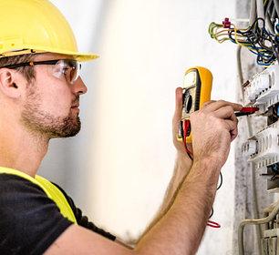 Услуги электрика. ☎ 328-77-45