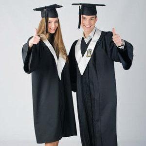 академическая и судейская одежда