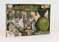 Игровой набор военного. Бинокль, автомат (трещотка), фляга, рация, каска
