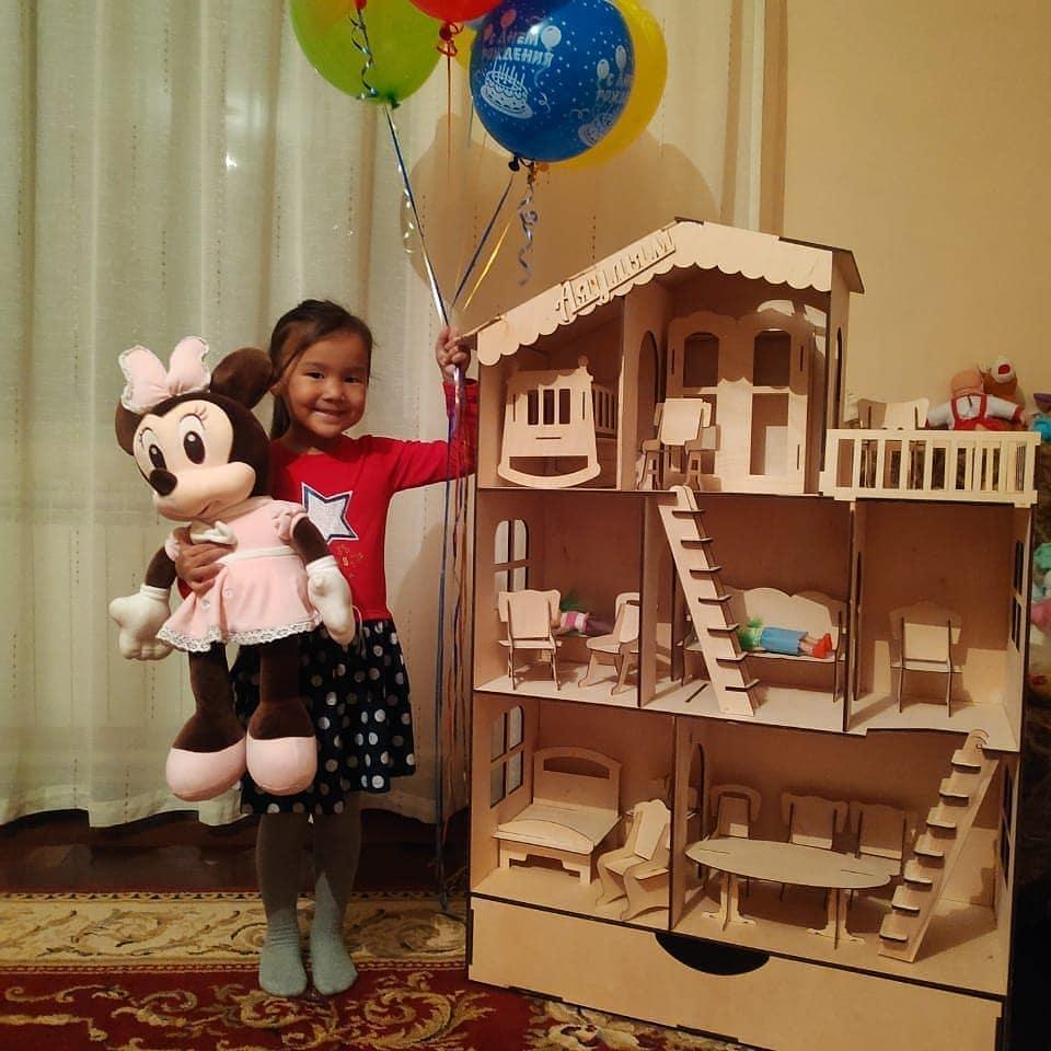 Большой кукольный эко домик (в комплекте 16 предметов мебели)
