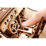 Конструктор 3D-пазл Ugears Родстер VM-01 437 деталей, фото 2