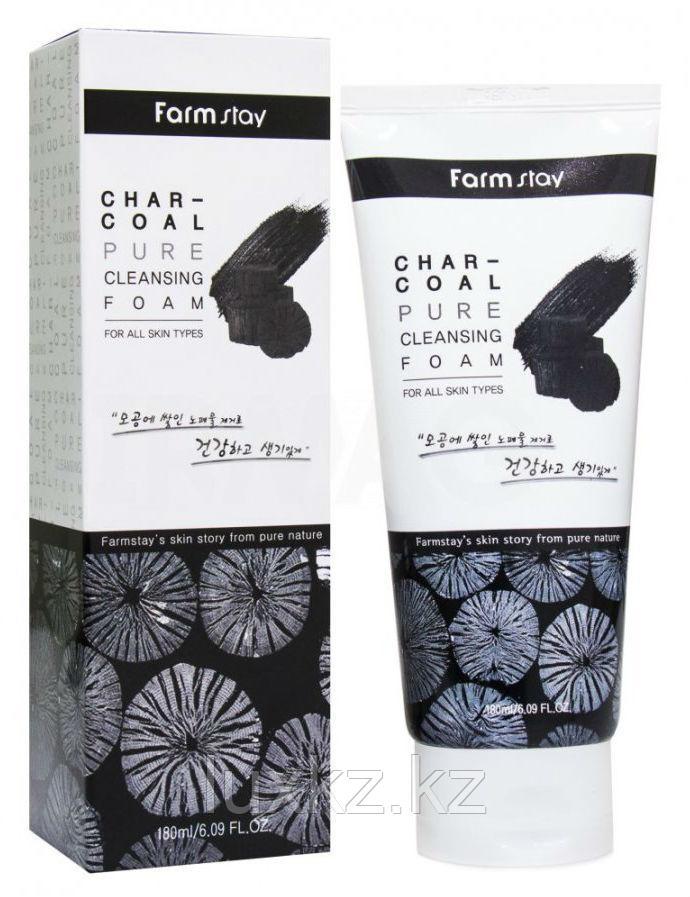 Пенка для умывания с древесным углем FarmStay Char-Coal Pure Cleansing Foam.