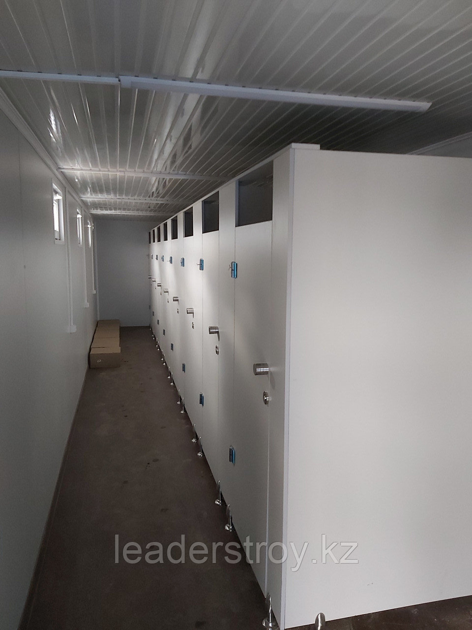 Жилой контейнер 40 фут. под туалет на 8 кабинок