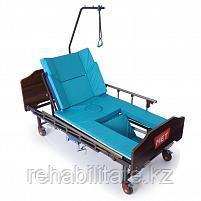 Кровать медицинская механическая с правосторонним туалетным устройством MET REKARDO.