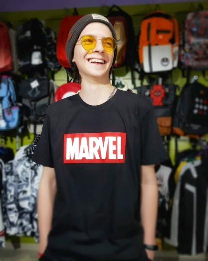 Футболка с логотипом Marvel