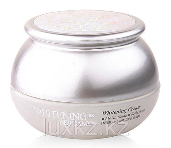 Отбеливающий крем с арбутином Bergamo Moselle Whitening EX Whitening Cream
