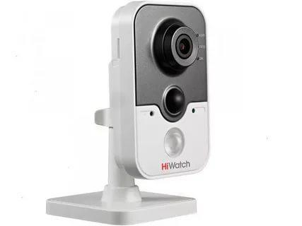 Кубическая IP видеокамера HiWatch DS-I114W (WiFi)