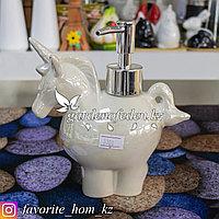 """Дозатор для моющего средства с декором """"Доляна"""". Материал: Керамика. Цвет: Белый."""