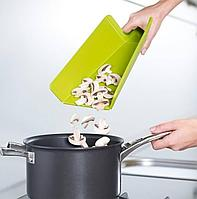 Доска складная Chop2Pot™ Plus зеленая (Joseph Joseph, Англия)