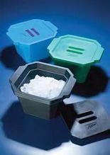 Ведерко для льда пластиковое V-4,5 л, с крышкой, голубое (Azlon)