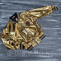 Куртка в золотистой расцветке