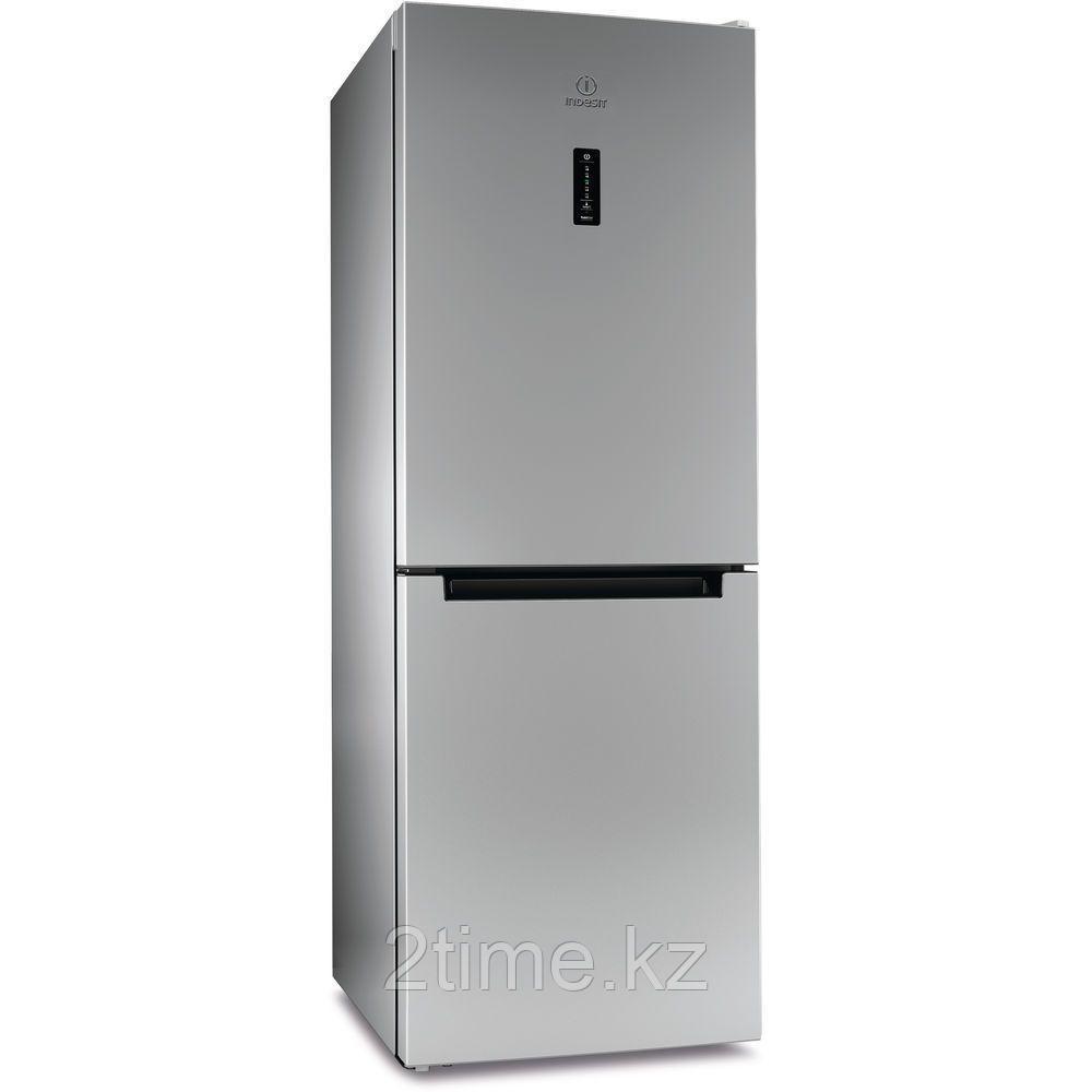 Холодильник Indesit DF 5160 S двухкамерный