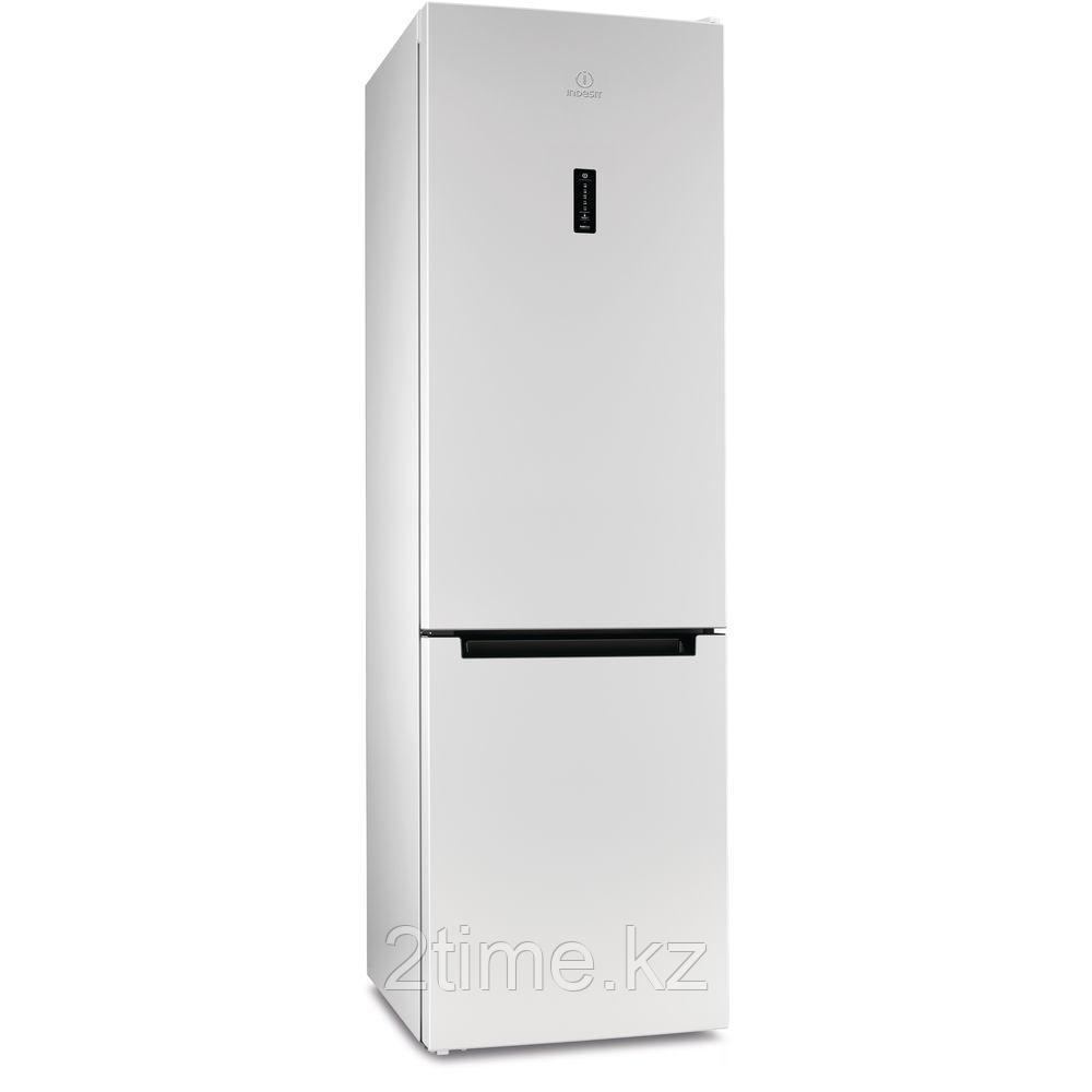 Холодильник Indesit DF 5200 W двухкамерный