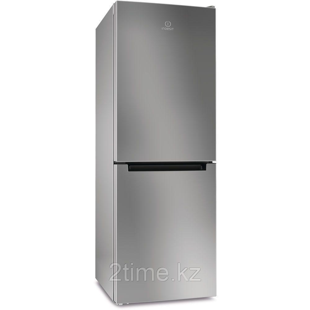 Холодильник Indesit DFE 4160 S двухкамерный